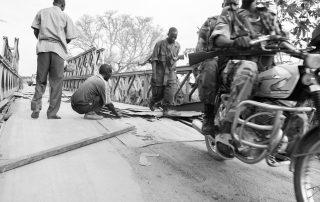 south-sudan; sudan; juba; bridge; bridges; repair; explosives; journalism; nb-journalism.com; gtz; soedan; fotografie; photography; bart coolen; veteran; genie; troops; engineering