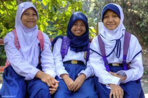 Indonesia-Bogor-girls.jpg