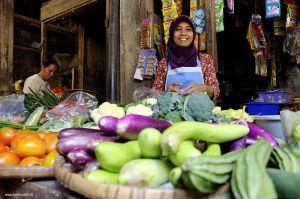 Indonesia-market-woman-portrait02.jpg